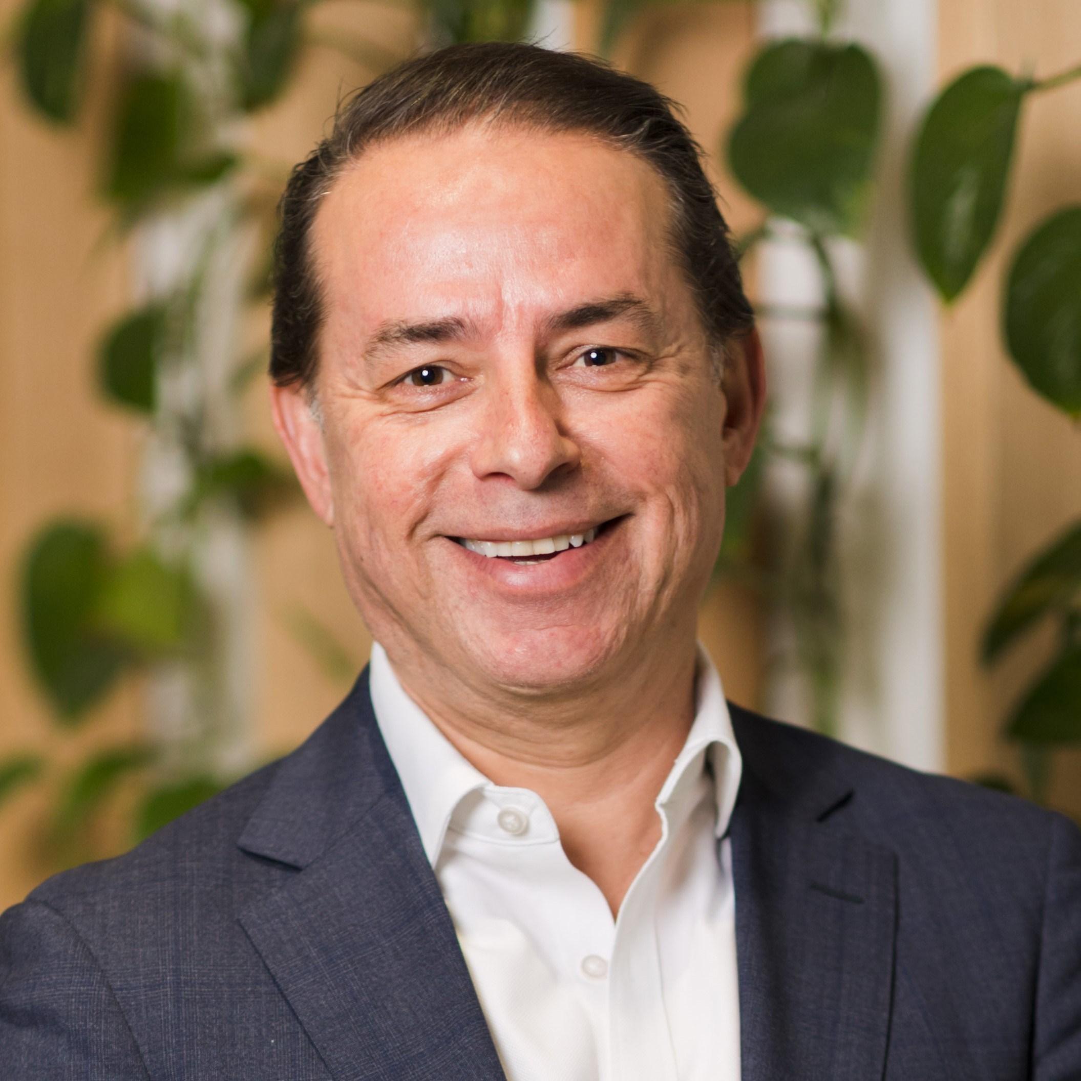 Angelo Manos